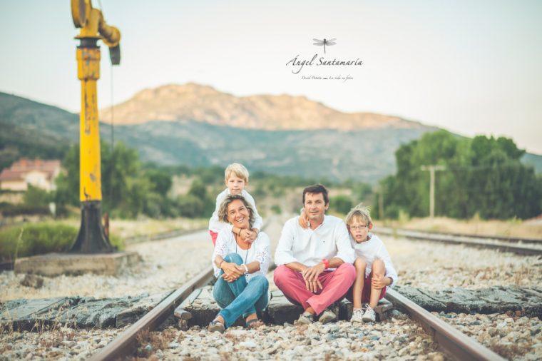 Sesión de familia en Madrid | Una tarde en una antigua estación de tren